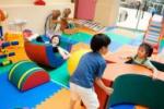 小孩子上幼儿园是根据房产证还是户口