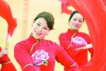 中国东方歌舞团走进巴林右旗慰问演出