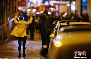 巴黎发生枪击事件枪手毙命警方一死两伤