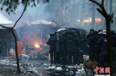 巴西清查毒品市场 上演现实版警匪大片