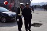 赤峰新城交警救助迷路老人获点赞