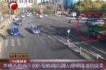 赤峰一电动车驾驶人被卷入大货车车底,惊险生还!